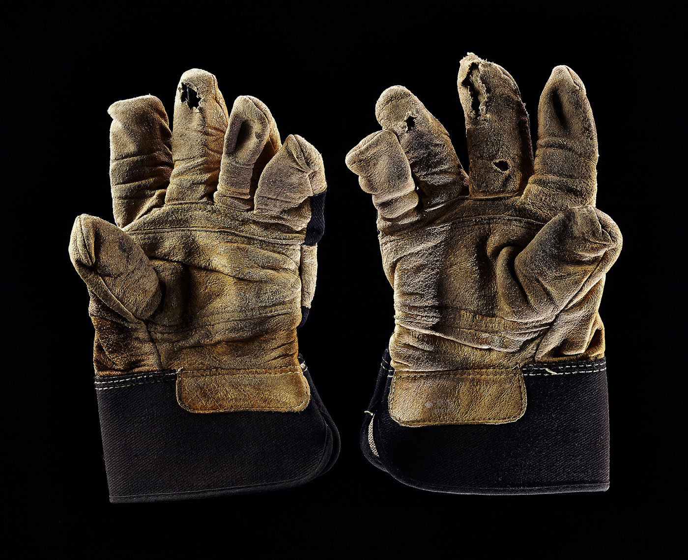 Work-Gloves-Pair-1